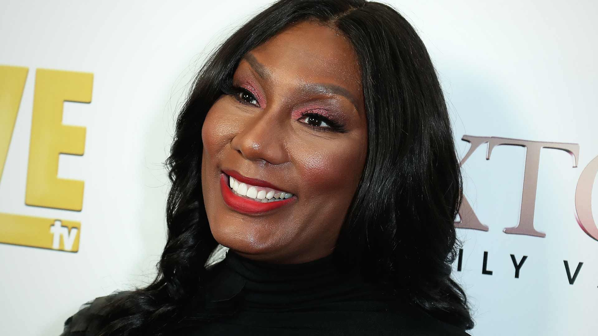 Towanda Braxton Shares A Photo From Her Date Night With Her King