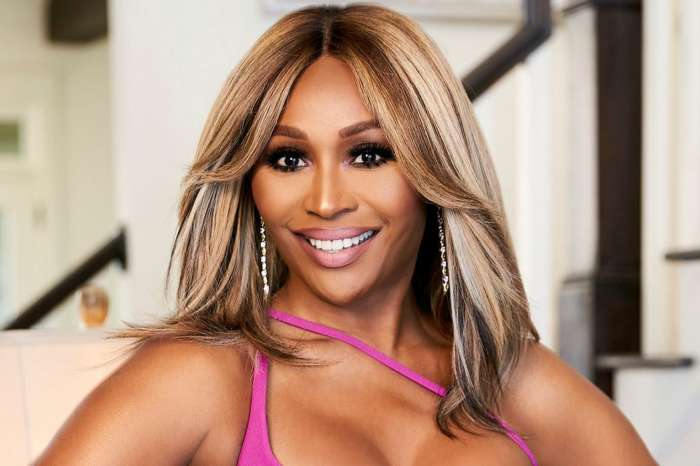 Cynthia Bailey Flaunts A Royal Mood In This Gorgeous Blue Outfit At Lake Bailey