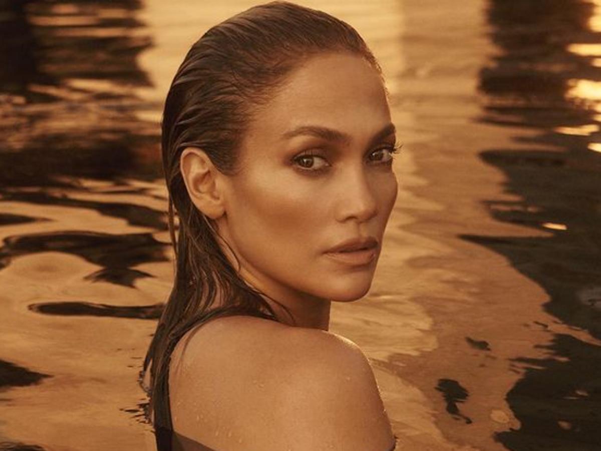 Steal: Jennifer Lopezs Miami Date Night Naked Wardrobe