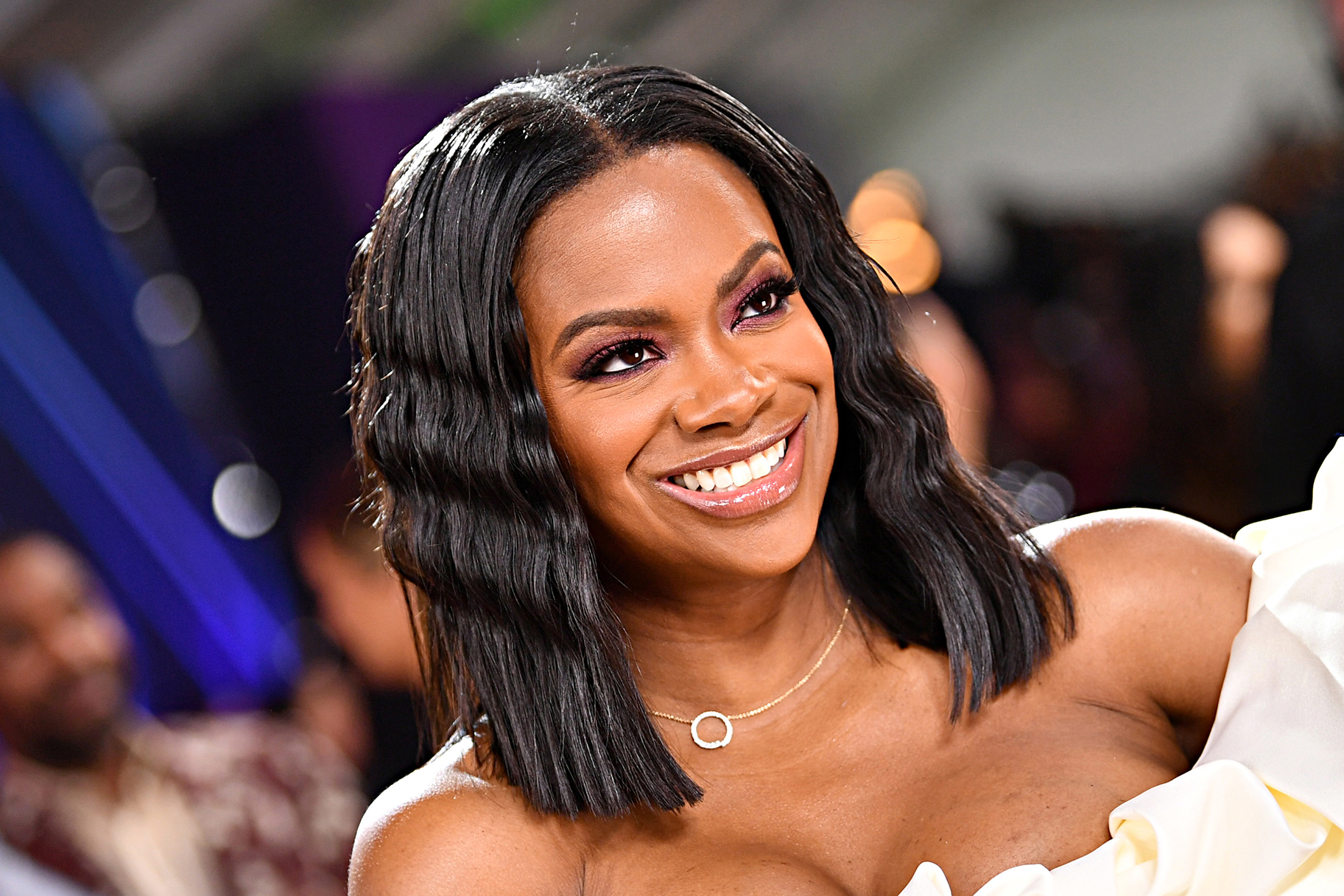 Kandi Burruss Films A Video With Don Juan - Check Out The Subject She Touched