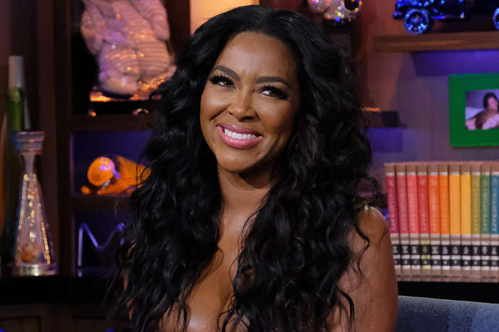 Kenya Moore Impresses Fans With A Photo In Which She's Flaunting An Amazing Outfit