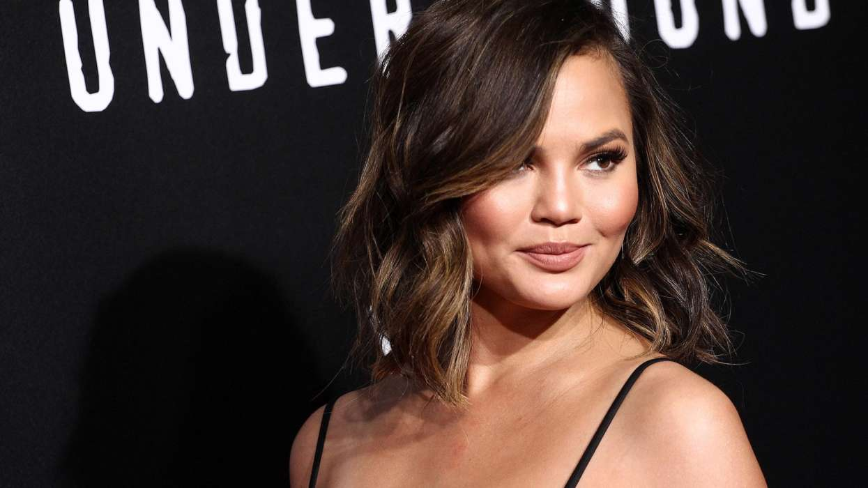 chrissy-teigen-reveals-that-she-has-been-sober-for-1-month