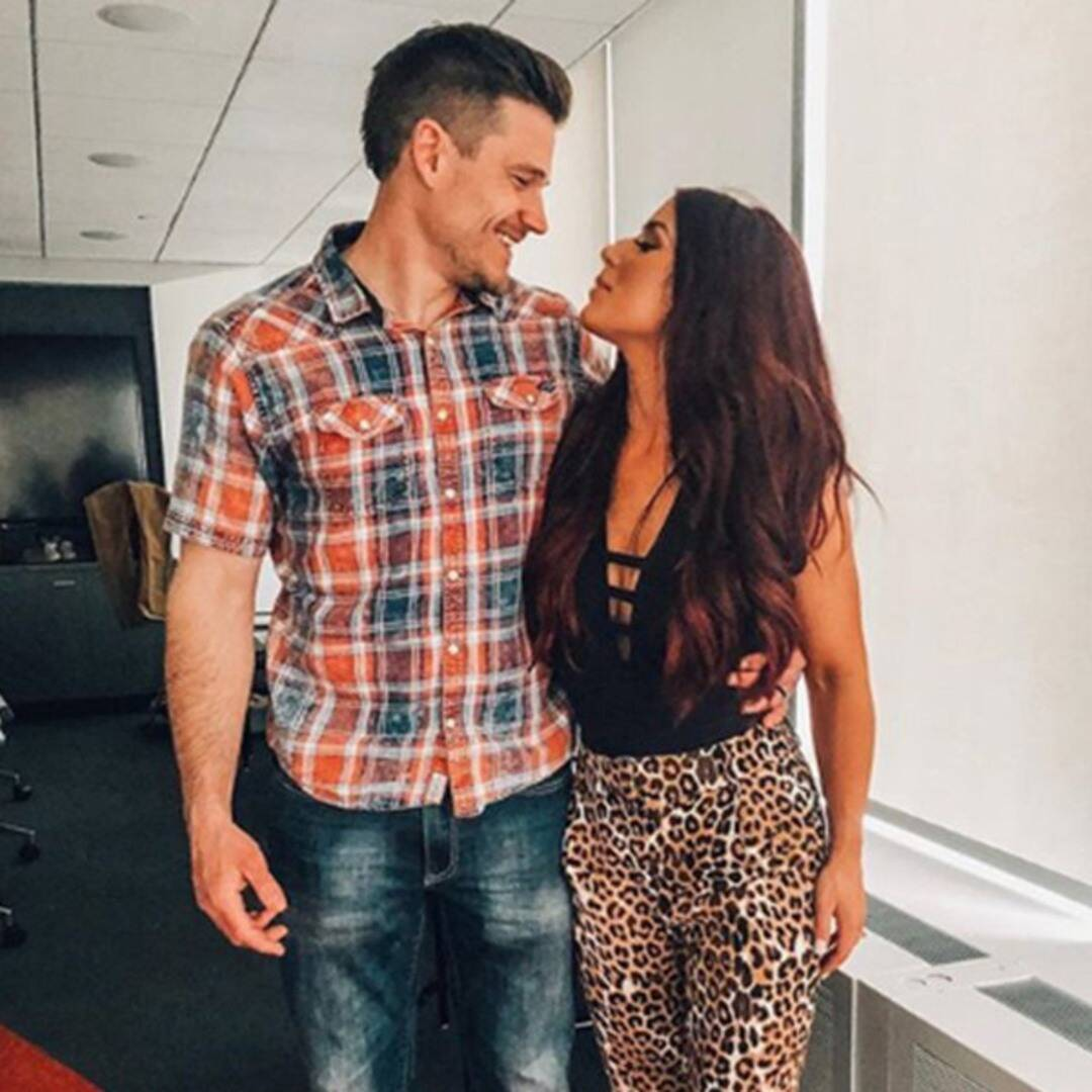 """cole-deboer-pays-sweet-tribute-to-perfect-wife-chelsea-houska-following-her-teen-mom-exit"""