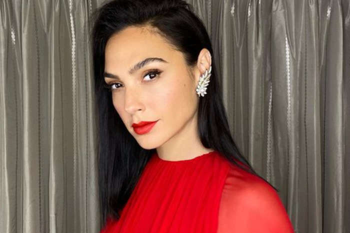 Gal Gadot Is Wonderful In $14,000 Valentino Gown