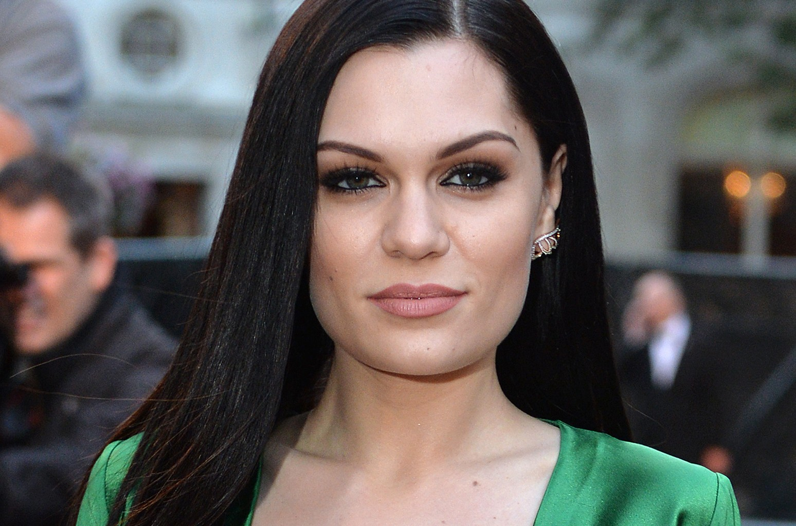 Jessie J Opens Up About Being Hospitalized On Christmas Eve After Suddenly Going Deaf ...