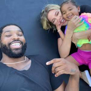 KUWTK: Tristan Thompson Really Hopes Khloe Kardashian And True Will Fly To Boston To Spend Christmas With Him!