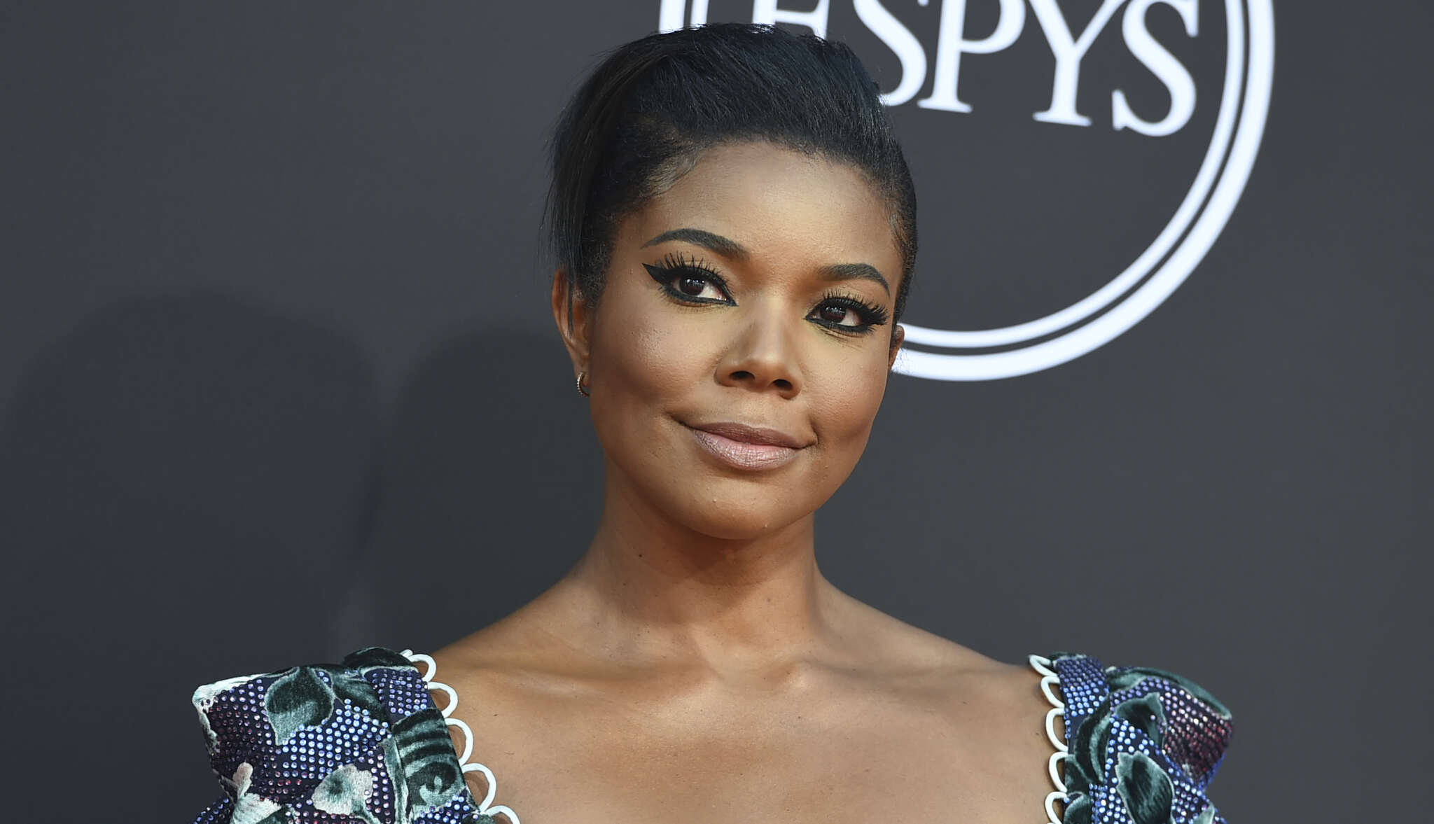 """gabrielle-union-praises-the-youngest-ever-female-stockbroker-on-wall-street"""