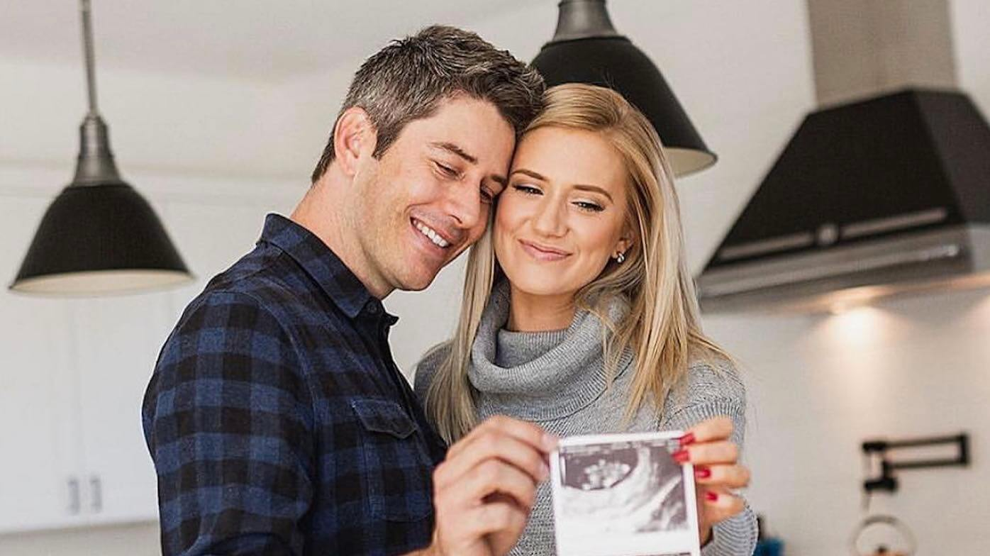 arie-luyendyk-jr-and-lauren-burnham-share-the-sex-of-their-unborn-twins-find-out-what-theyre-having