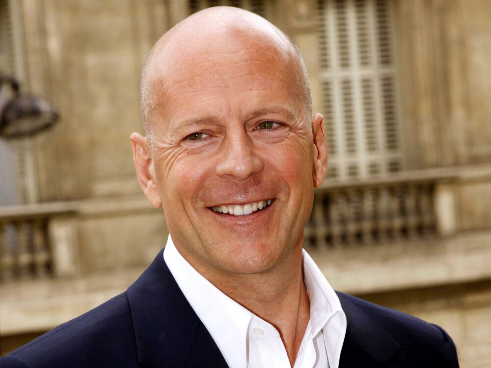 Bruce Willis told to leave Rite Aid for not wearing mask