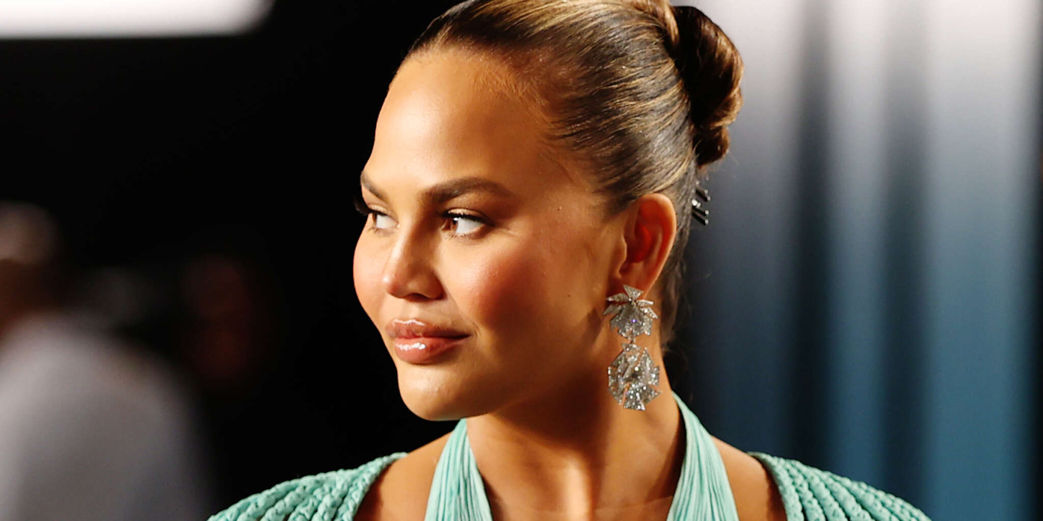 """""""chrissy-teigen-documents-the-loss-of-one-of-her-teeth-after-biting-into-a-roll-up"""""""