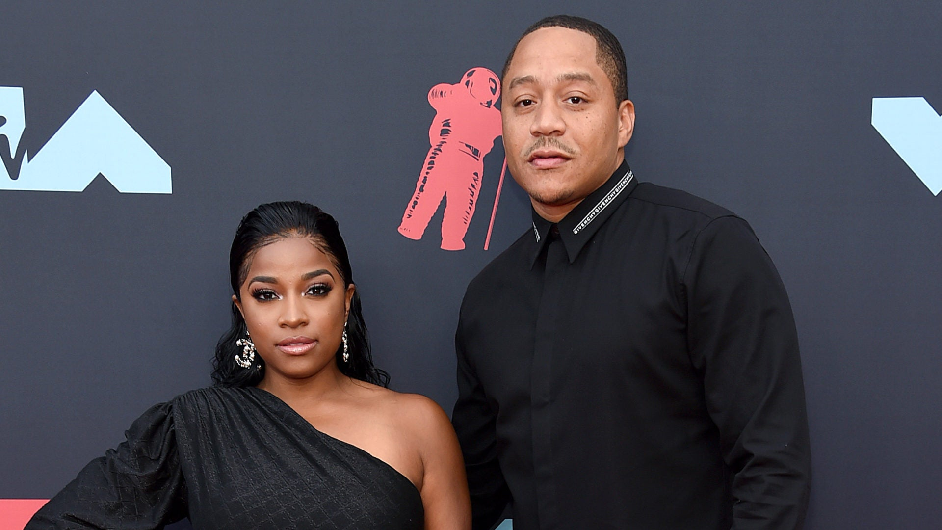 toya-johnson-floods-her-social-media-account-with-photos-from-robert-rushings-anniversary