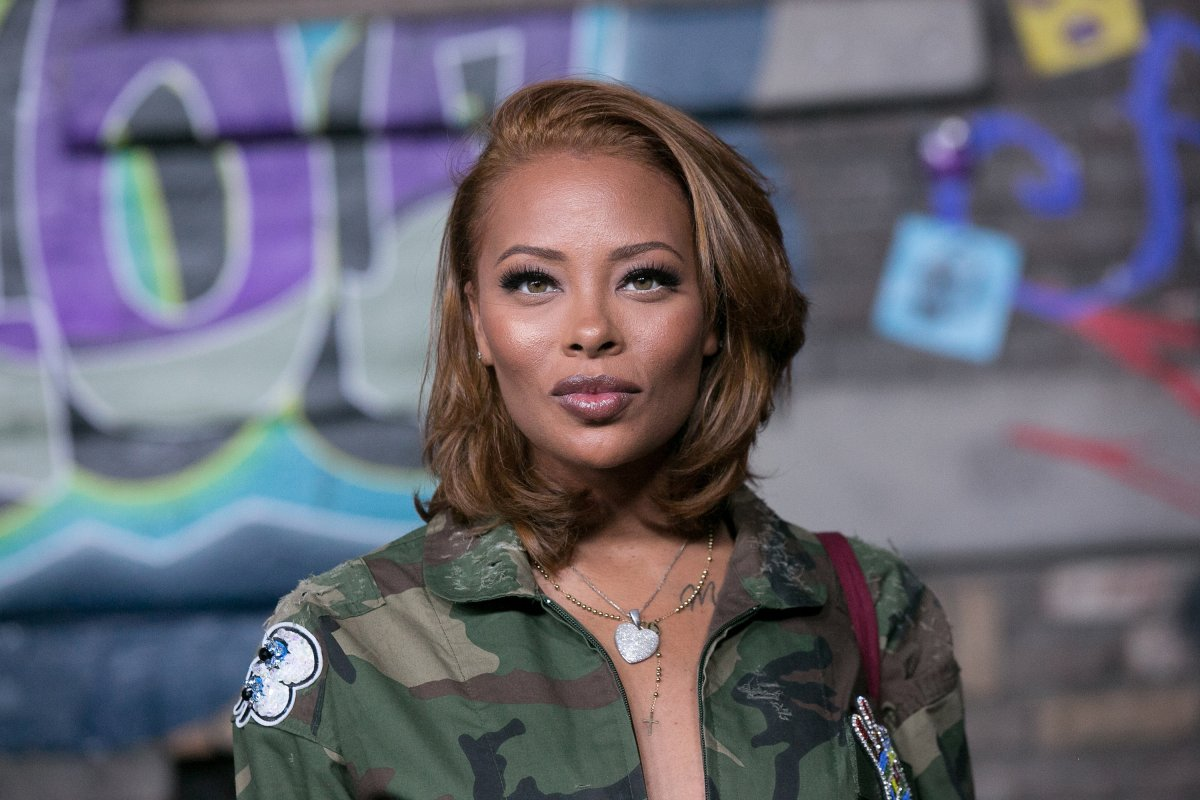 """eva-marcille-has-fans-impressed-with-her-natural-face-check-out-the-photo-that-she-just-posted"""