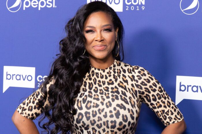 Kenya Moore Breaks The Internet - She Drops Her Clothes For This Pic And Has Fans In Awe