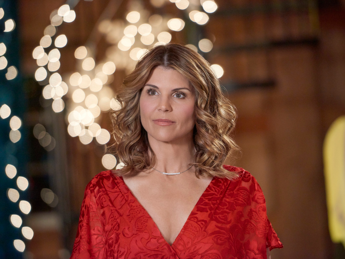 is-lori-loughlin-going-back-to-the-hallmark-channel