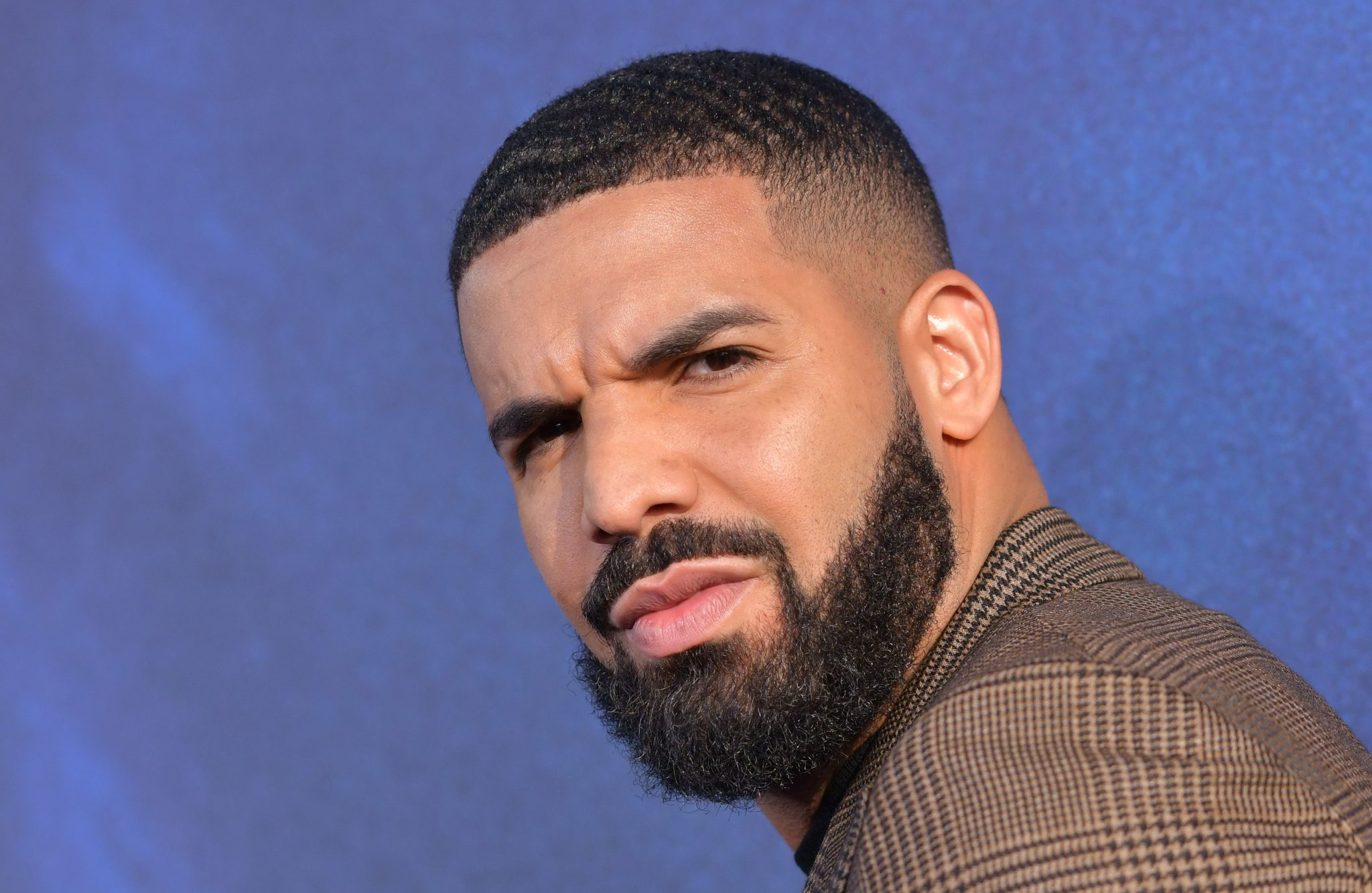 Drake Is Flexing His Muscles For The 'Gram At The Gym - Check Him Out In The Photo