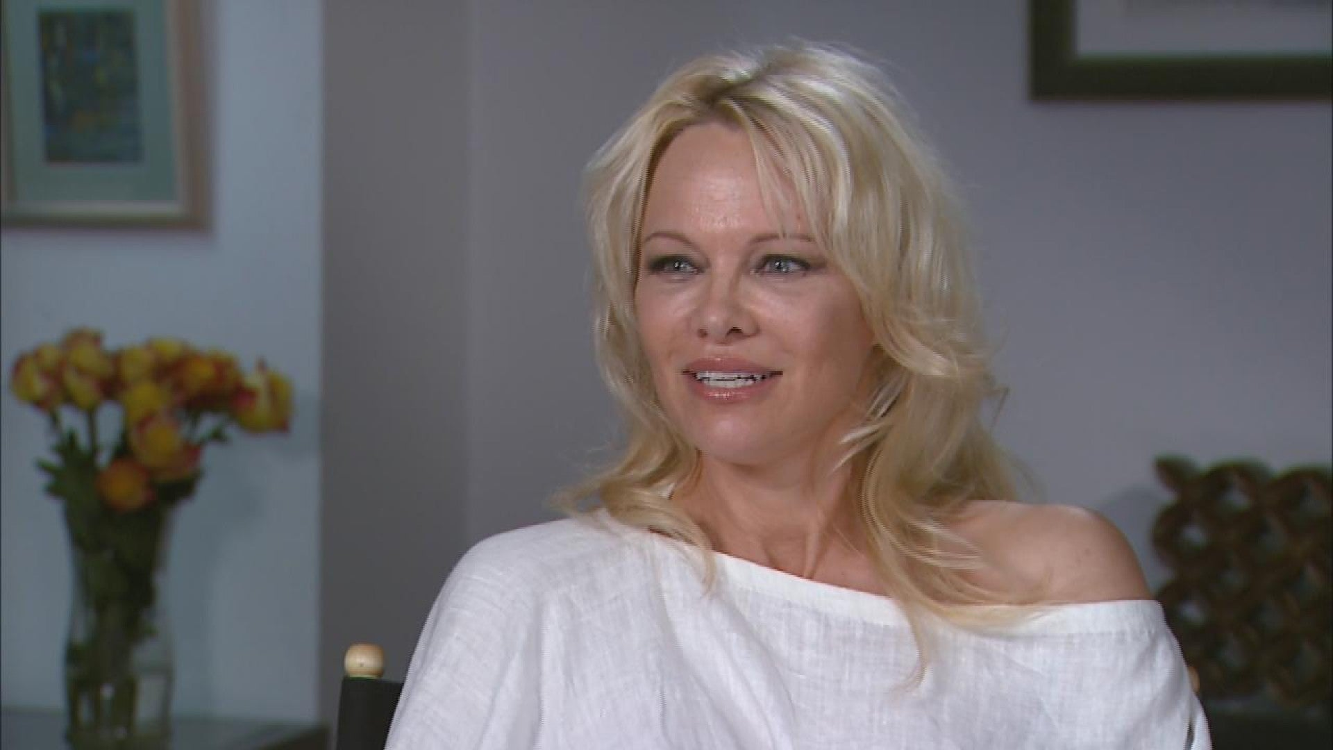 pamela-anderson-marries-her-bodyguard-after-falling-in-love-during-quarantine