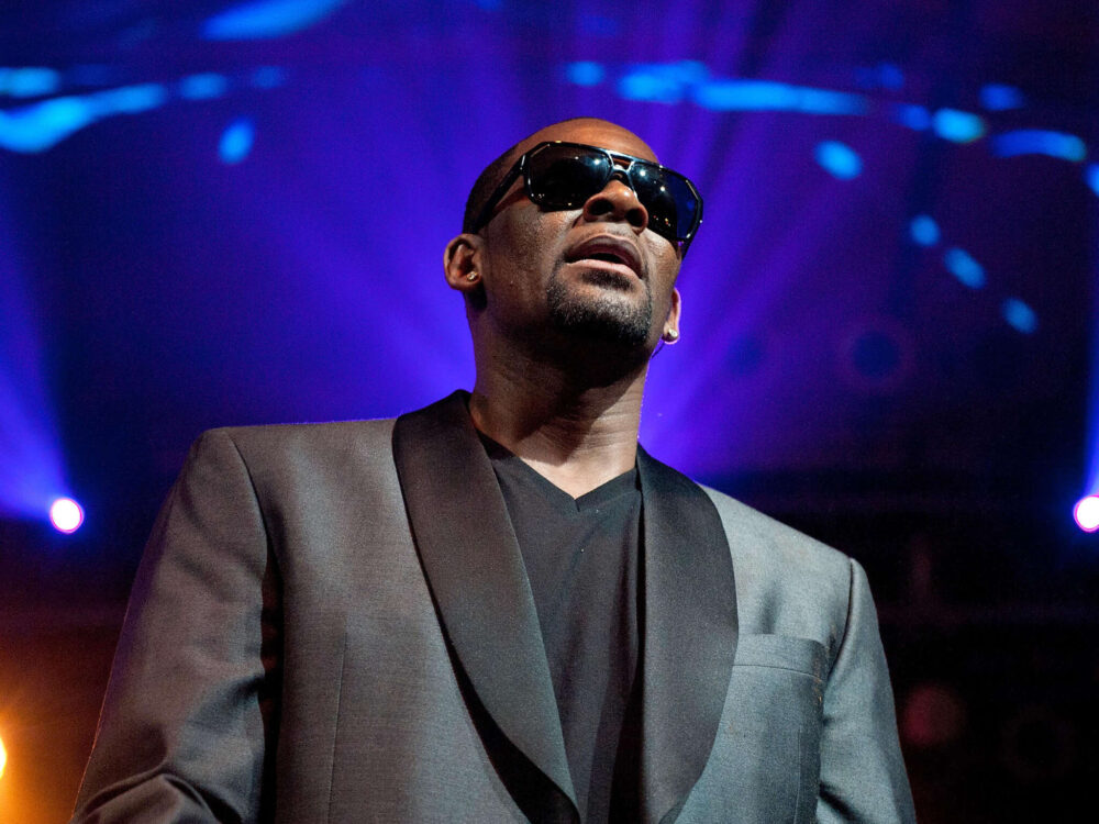 r-kelly-releases-lyrics-from-2011-song-shut-up-on-his-ig-his-first-post-in-1-year