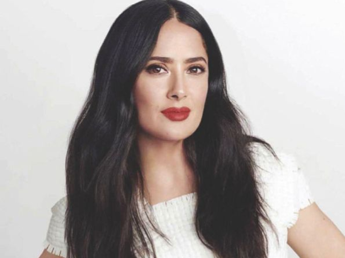 """""""people-are-calling-salma-hayek-54-the-most-beautiful-woman-in-the-world-after-she-posted-this-bathing-suit-photo"""""""