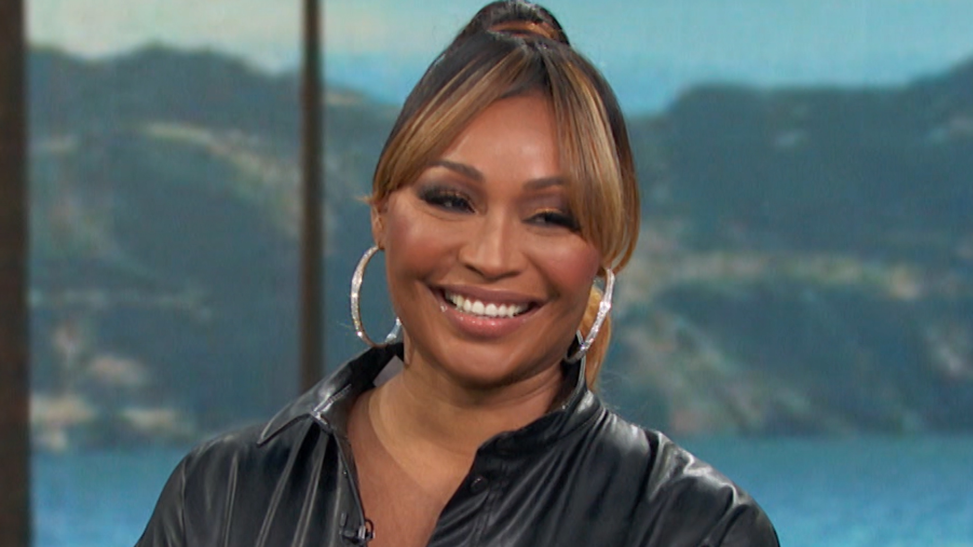 cynthia-bailey-shows-that-she-and-mike-hill-are-best-friends