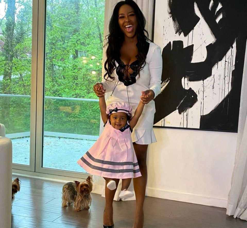kenya-moore-looks-gorgeous-in-her-latest-photo