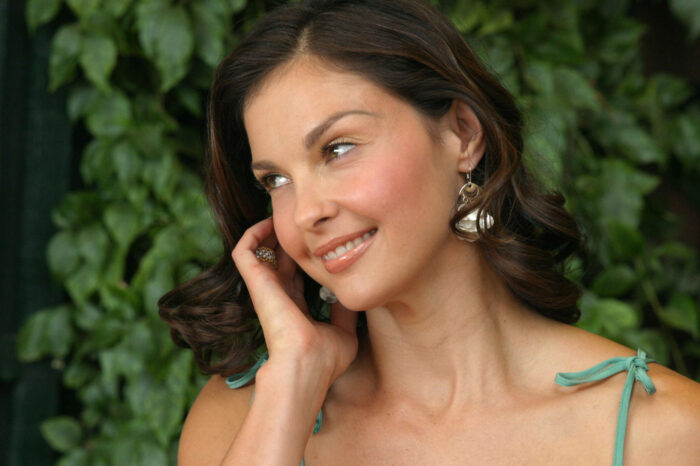 Ashley Judd Suffers Horrible Fall In Congolese Jungle