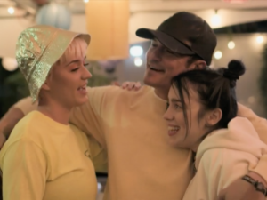 Billie Eilish Admits She Had No Idea Who Orlando Bloom Was Upon Meeting Him At Coachella!