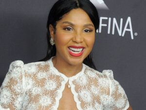 Toni Braxton Flexes For The 'Gram And Shows Off Her Body, But People Mistake Her For Amber Rose