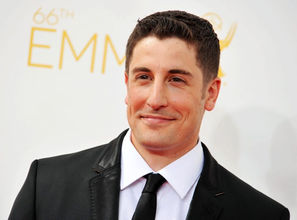 jason-biggs-jokes-that-he-hopes-hollywood-doesnt-figure-out-hes-not-jewish-because-he-wont-get-roles-ever-again