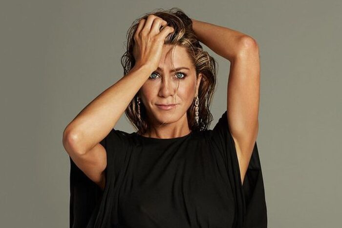 Is Jennifer Aniston Turning Into An Oompa Loompa From Too Much Spray Tan?
