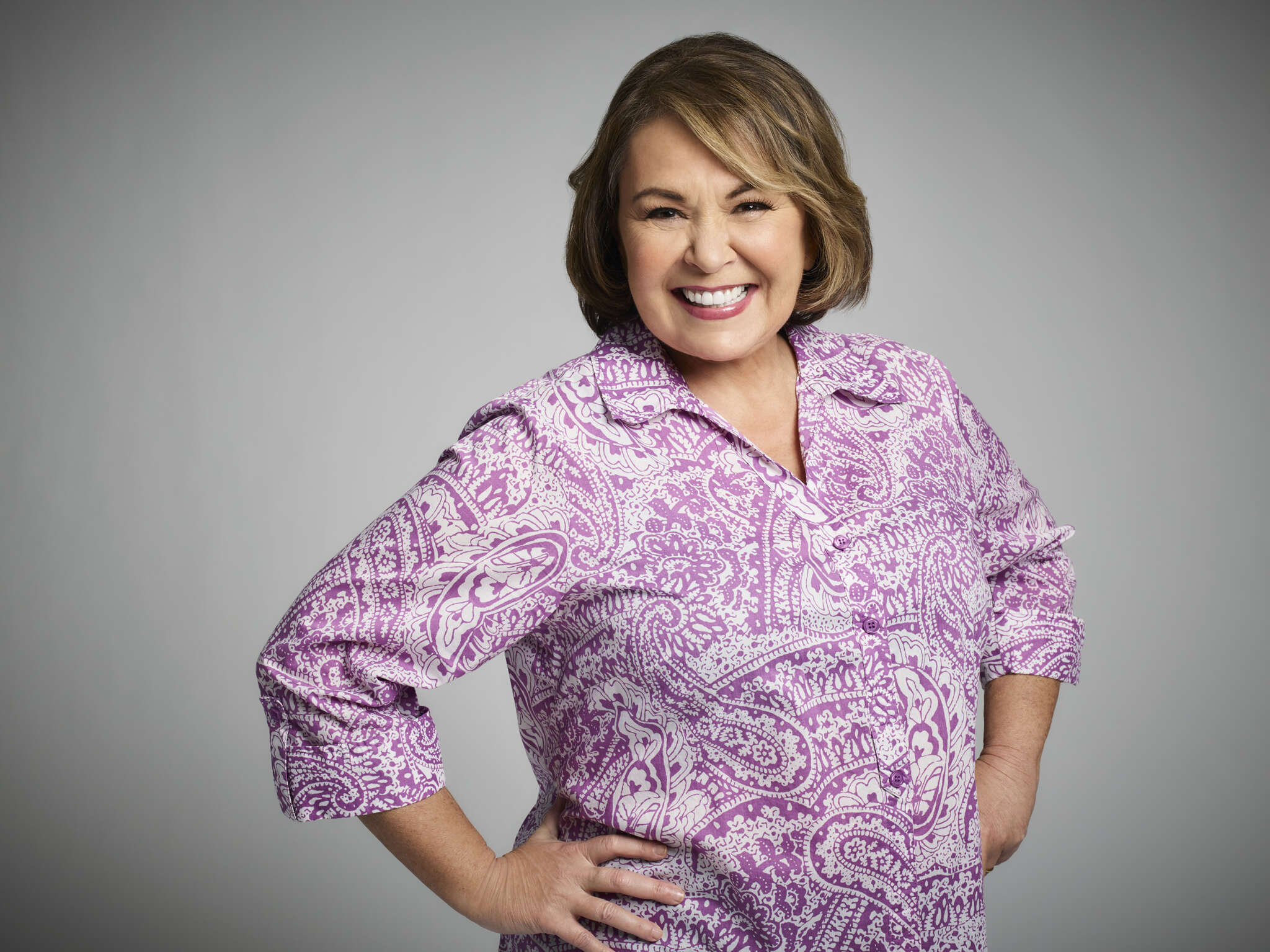 roseanne-barr-flirts-with-newly-single-kanye-west-alongside-bathing-suit-pics