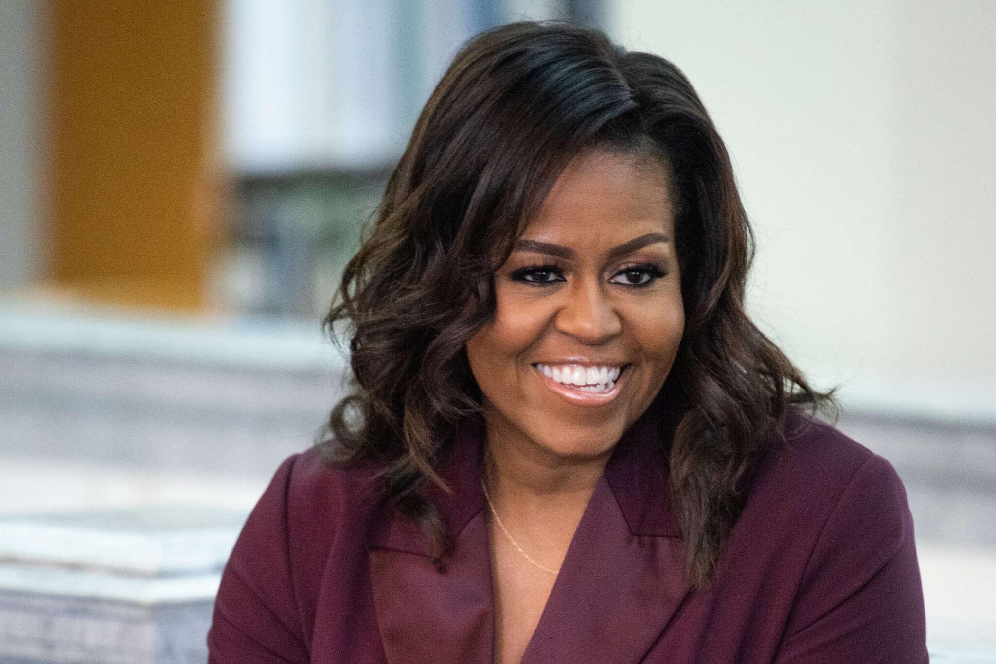 """michelle-obama-receives-her-covid-vaccine"""
