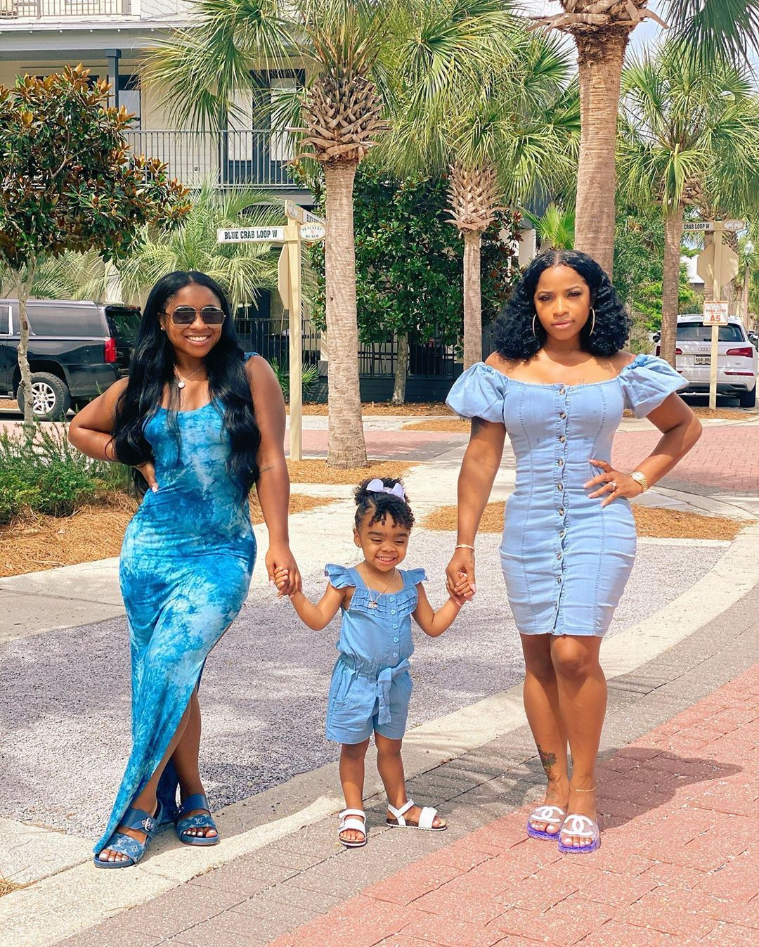toya-johnson-gets-a-special-treatment-from-reign-rushing-check-out-the-baby-girl-putting-makeup-on-her-mom