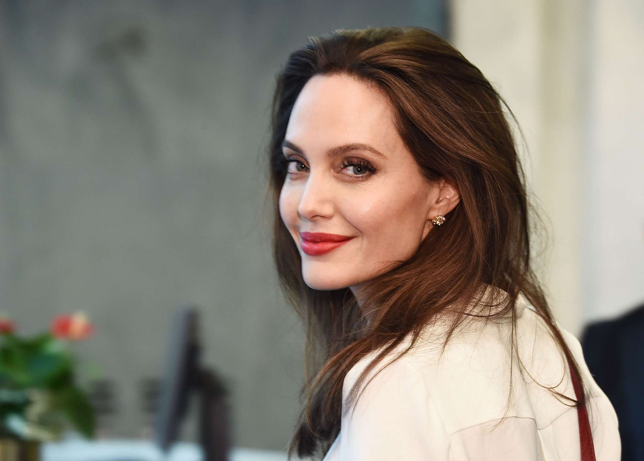"""""""is-angelina-jolie-looking-for-love-with-men-and-women-on-dating-apps-now-that-shes-moved-on-from-brad-pitt"""""""