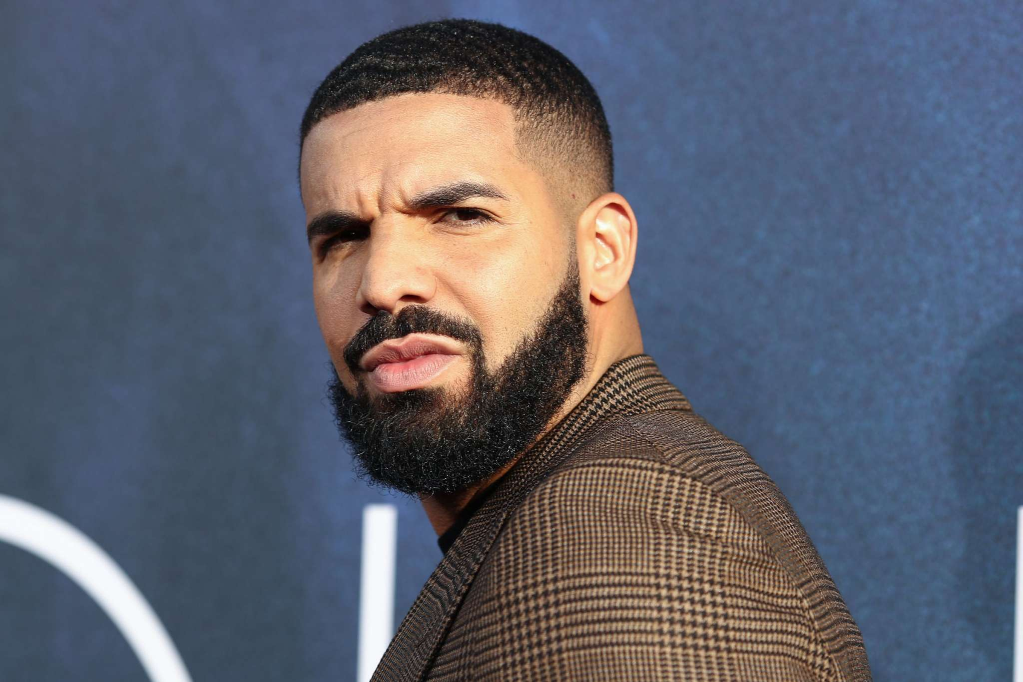 """drakes-toronto-home-was-broken-into-by-a-knife-wielding-woman"""