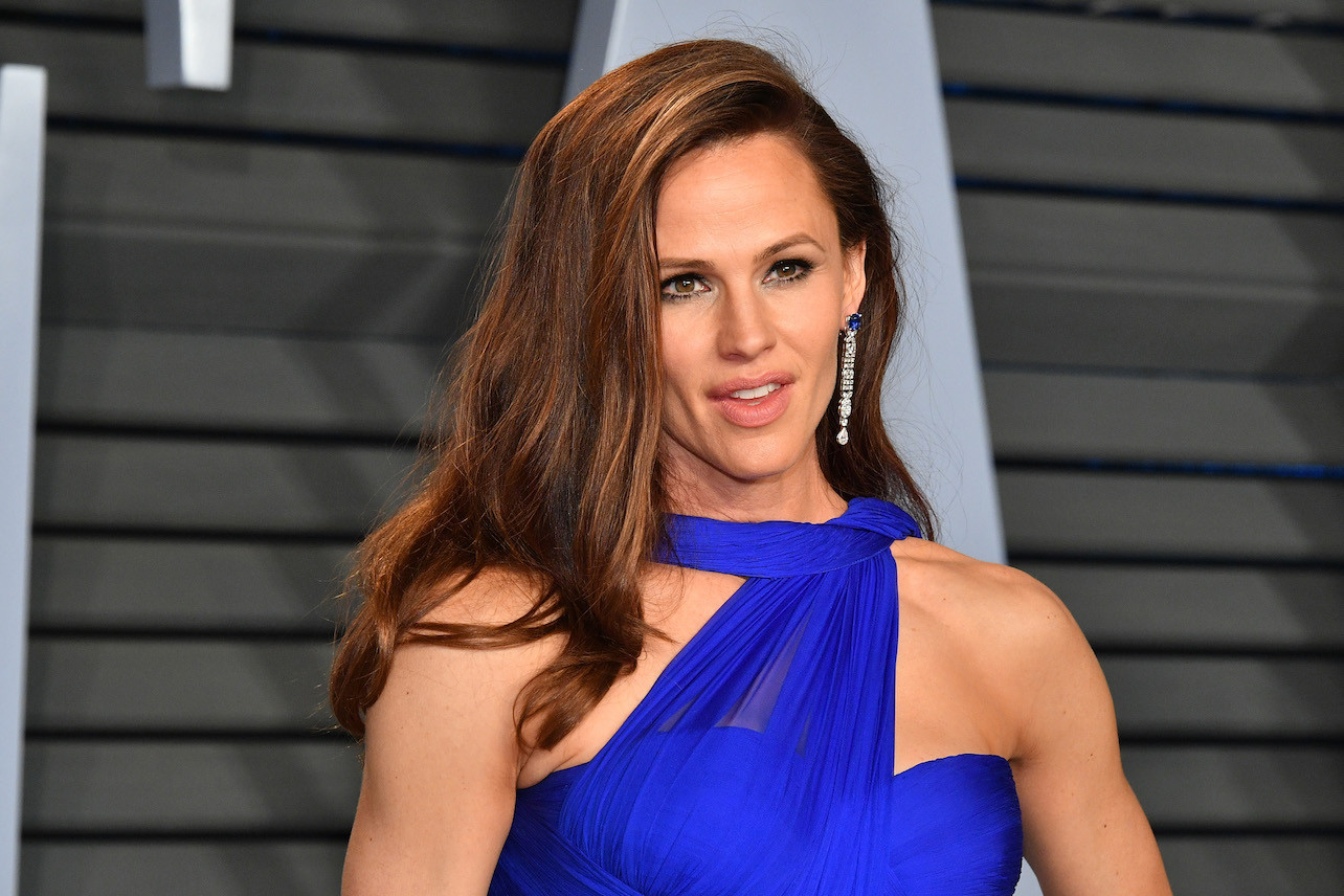 """jennifer-garner-swears-off-plastic-surgery-shes-the-real-deal"""