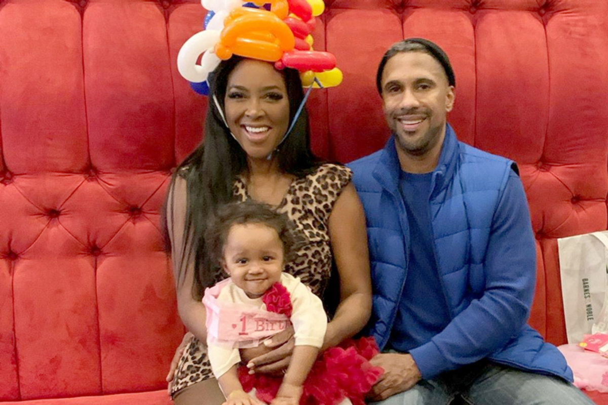 kenya-moores-baby-girl-brooklyn-daly-makes-a-fashion-statement-that-impresses-fans