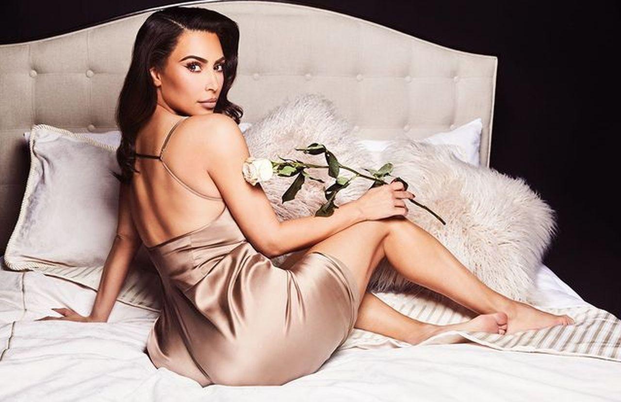 kim-kardashian-shows-off-her-legs-in-skims-shorts