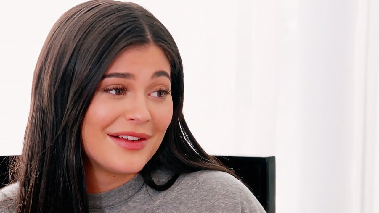 kylie-jenner-gets-dragged-for-sharing-her-makeup-artists-gofundme-donated-5k-to-60k-campaign