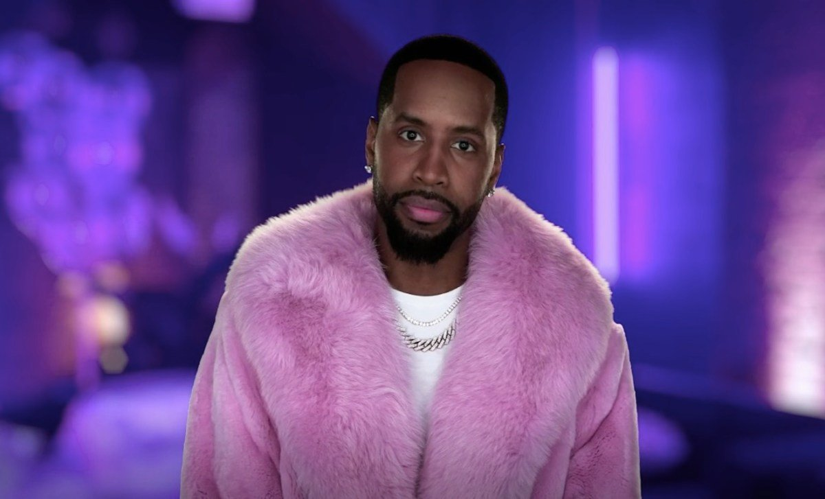 safaree-is-the-proudest-dad-check-out-his-daughter-safire-majesty-walking-around