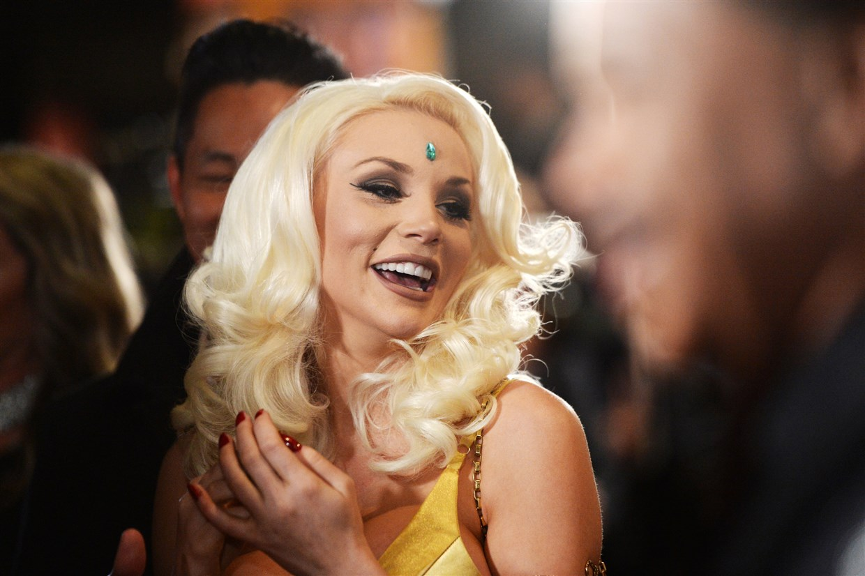 courtney-stodden-is-non-binary-fans-applaud-them-for-living-in-their-truth