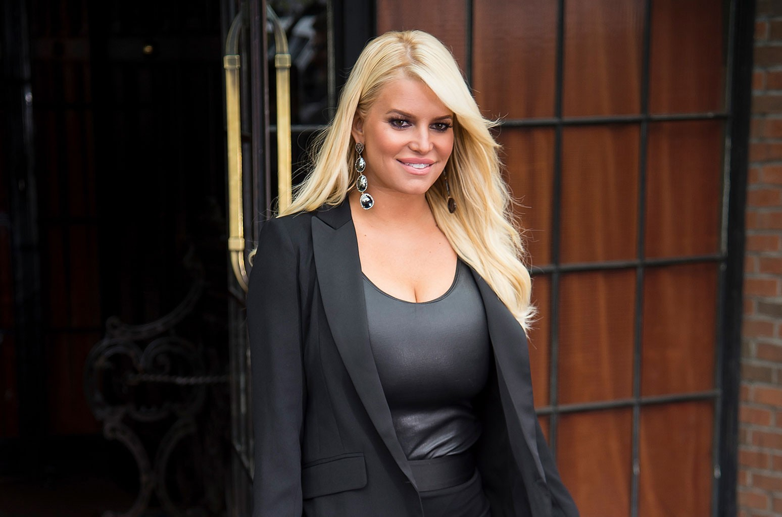 jessica-simpson-reveals-she-doesnt-even-own-a-scale-anymore-after-years-of-body-shaming