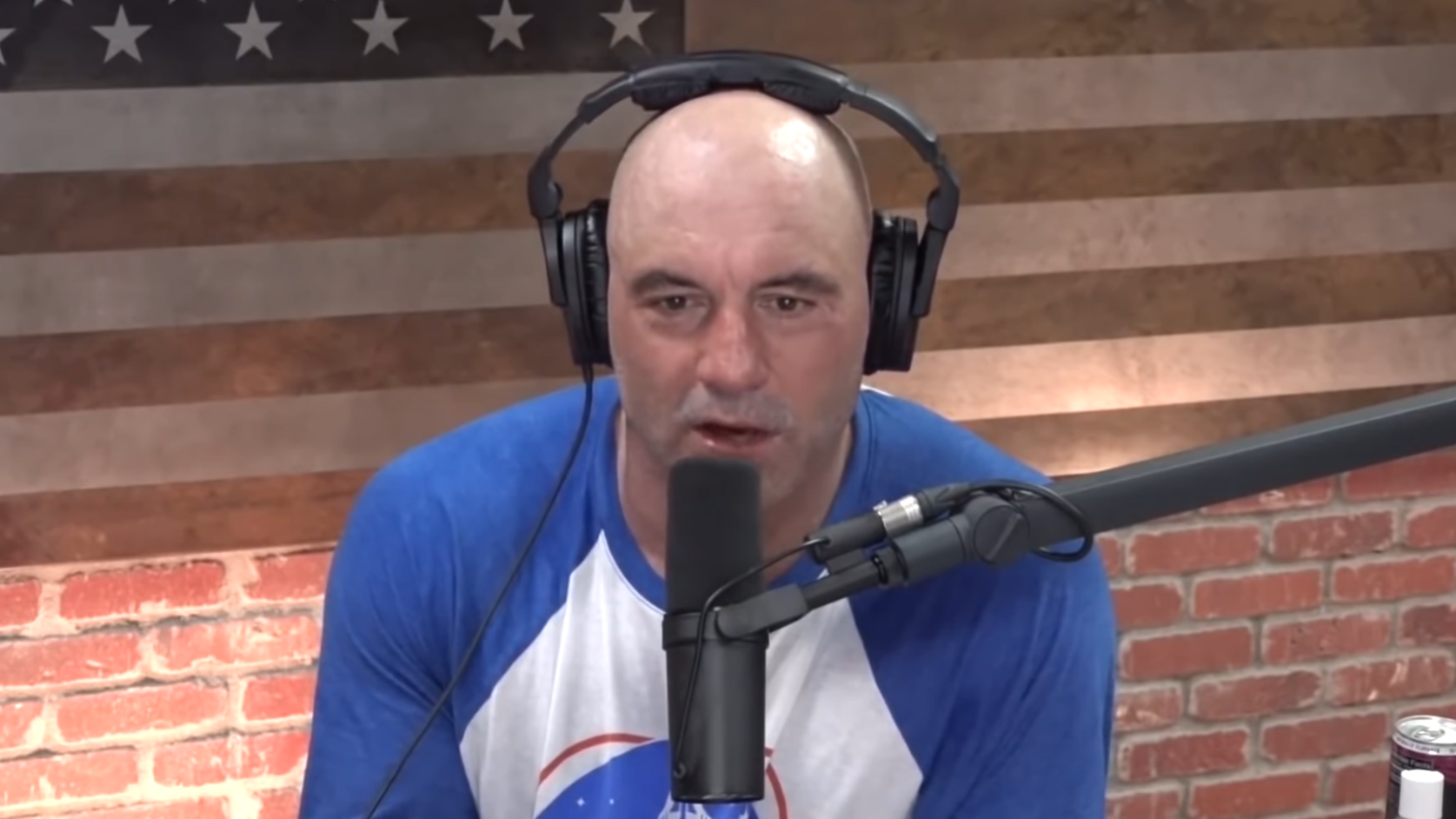 """""""joe-rogan-defends-himself-after-backlash-over-telling-young-people-they-dont-need-to-vaccinate-against-covid-19"""""""