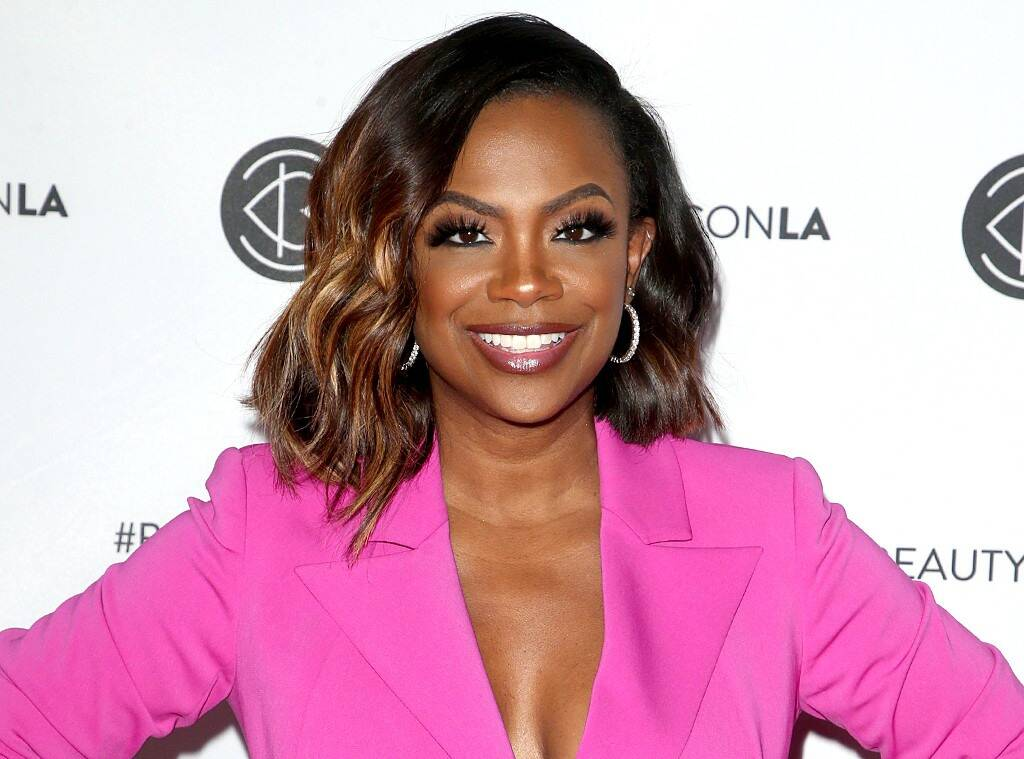 """kandi-burruss-offers-an-update-on-her-hair-journey"""