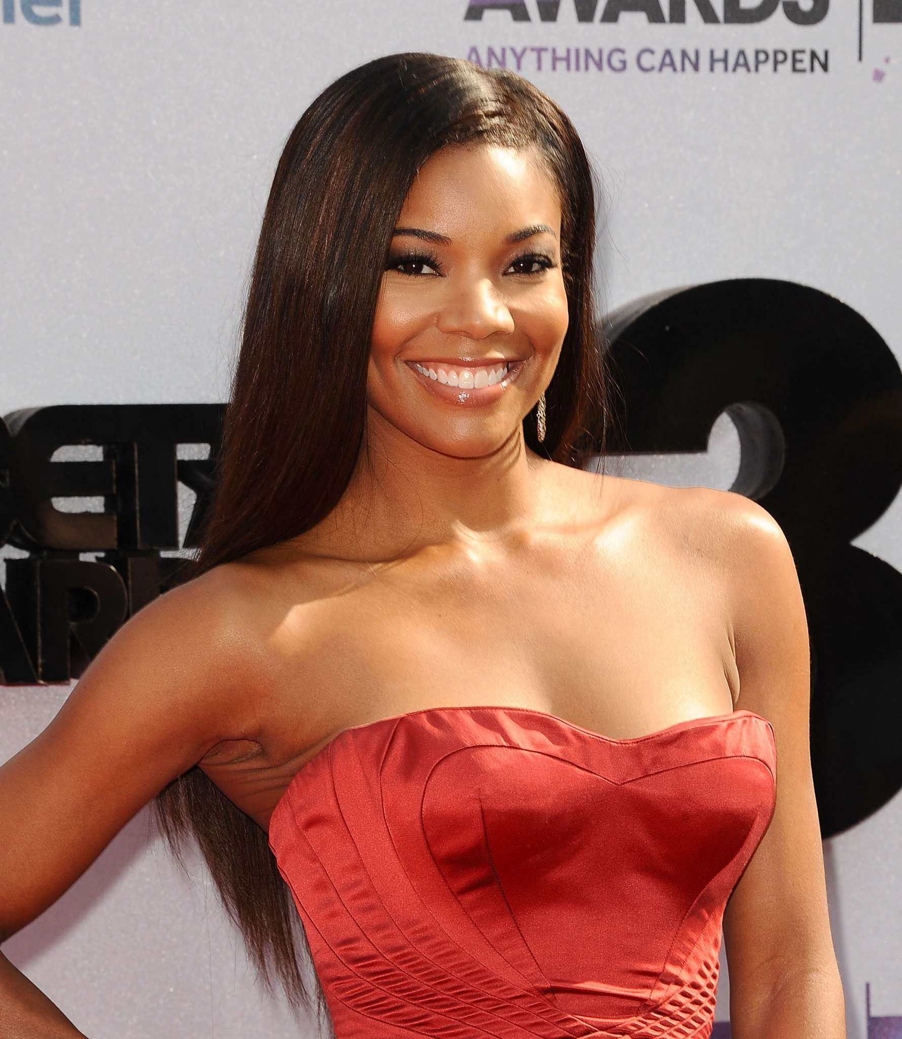 gabrielle-union-celebrates-dwyane-wade-check-out-her-message