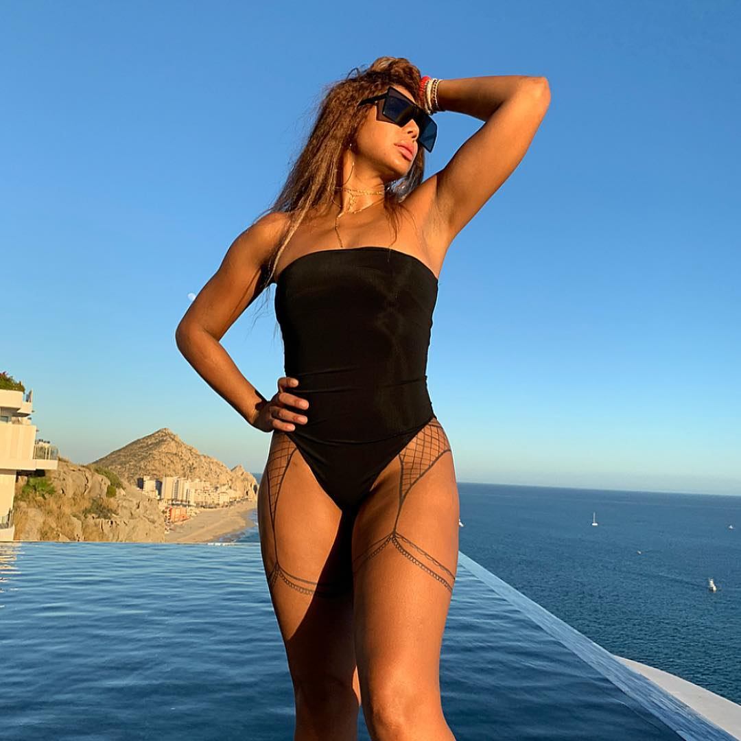 """""""tamar-braxton-flaunts-her-best-asset-for-the-camera-and-fans-encourage-her-to-love-herself-the-way-she-is"""""""