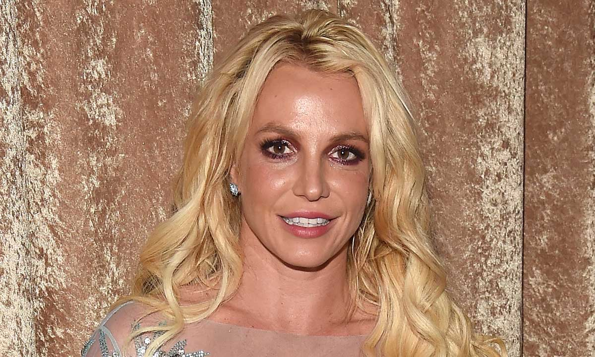 britney-spears-apologizes-to-fans-for-pretending-to-be-ok-before-and-explains-why-she-lied-about-her-situation