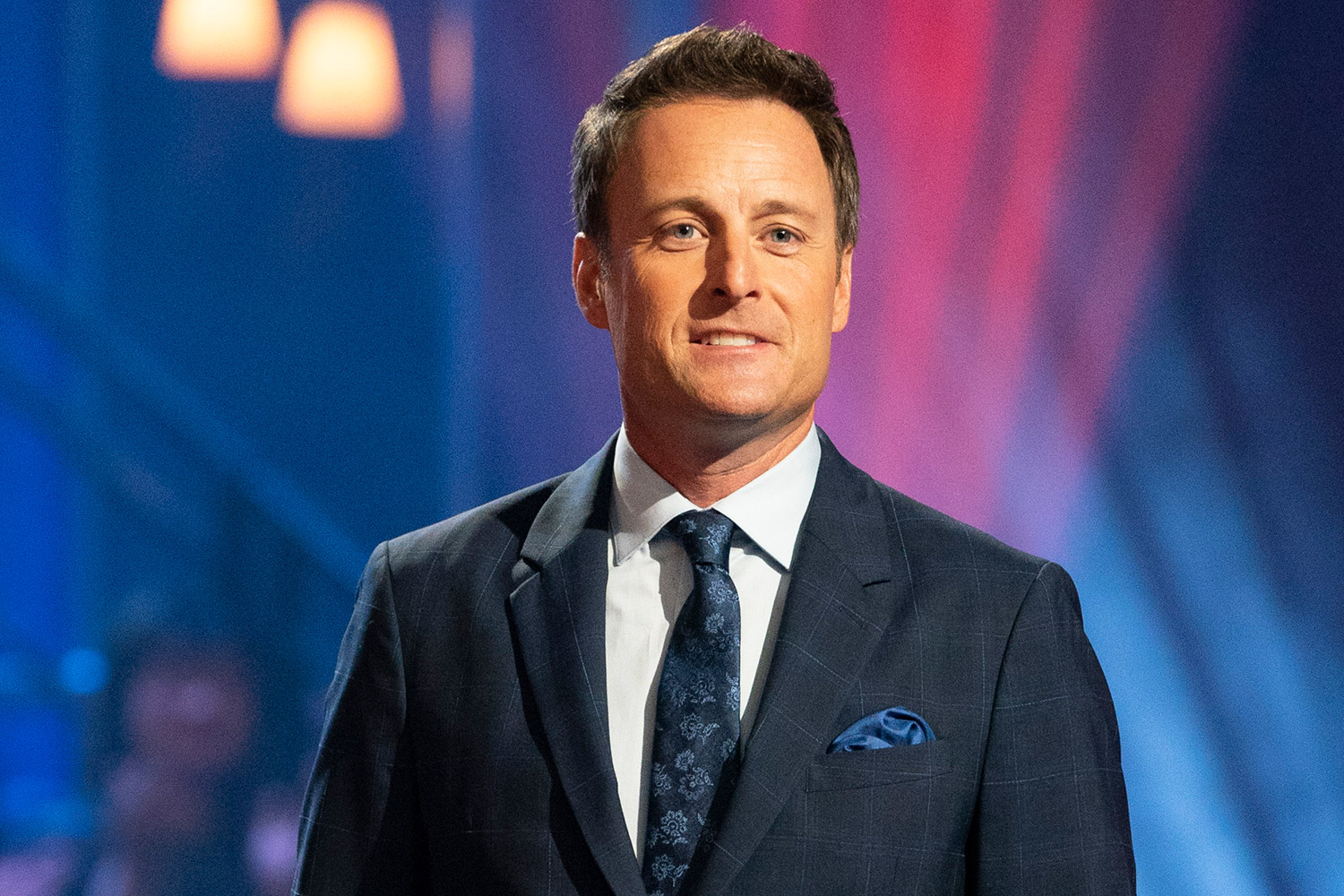 chris-harrison-will-reportedly-not-host-bachelor-in-paradise-after-controversy-heres-who-might-replace-him