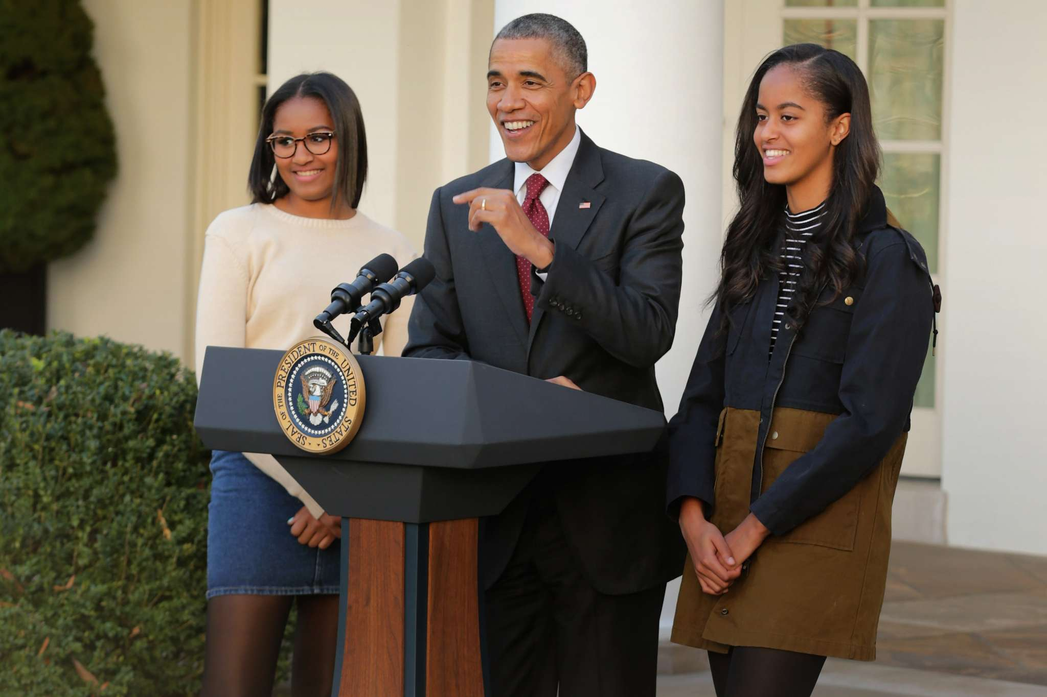 barack-obama-says-his-daughters-generation-can-go-too-far-with-cancel-culture-and-malia-and-sasha-agree