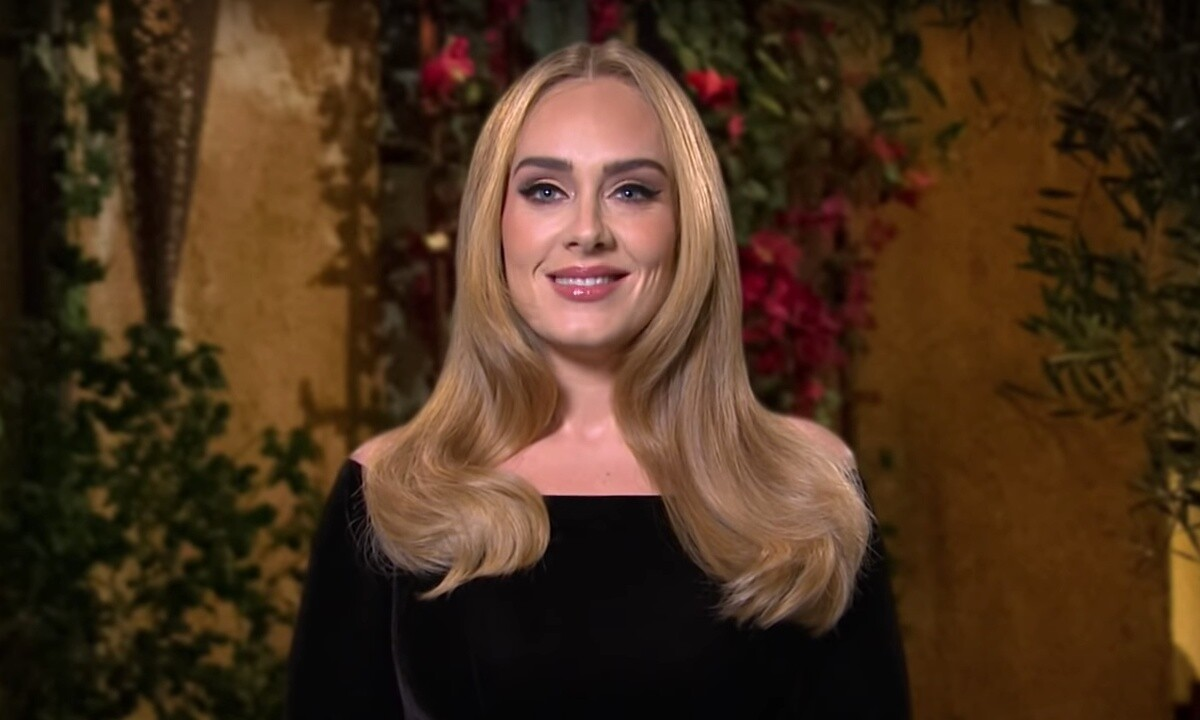 adele-looks-stunning-courtside-at-the-nba-finals-and-steals-all-the-attention-after-losing-100-pounds-pics