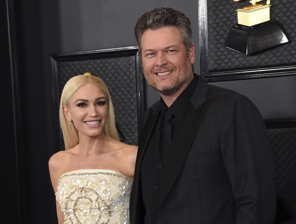 """""""blake-shelton-reportedly-still-cant-believe-gwen-stefani-chose-him-days-from-their-wedding-ceremony"""""""